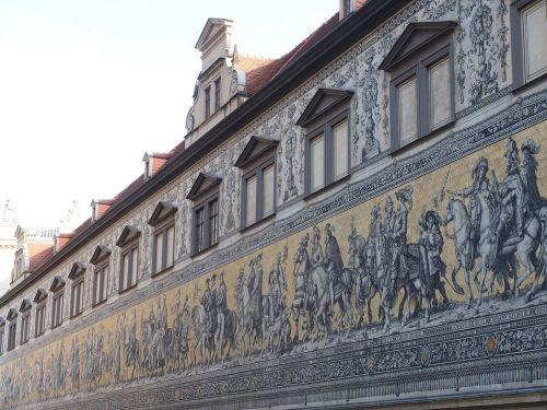princai,Drezdenas,fjeras,vaizdas,Reiterzug,išlikimas didelis vaizdas,plytelės,meiseno porcelianas,porcelianas vaizdas,pasaulio rekordas,protėvių galerija,pažymėti antgalius,kunigaikščiai,rinkėjas,karaliai,princinis namas drėgnas,augustus kelias,stallhof,dresdner residenzschloss,didžiausias porcelianas pasaulyje