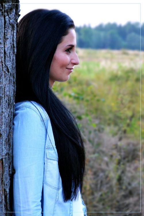 profile girl brunette
