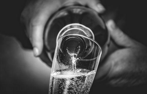 prosecco wine brindisi