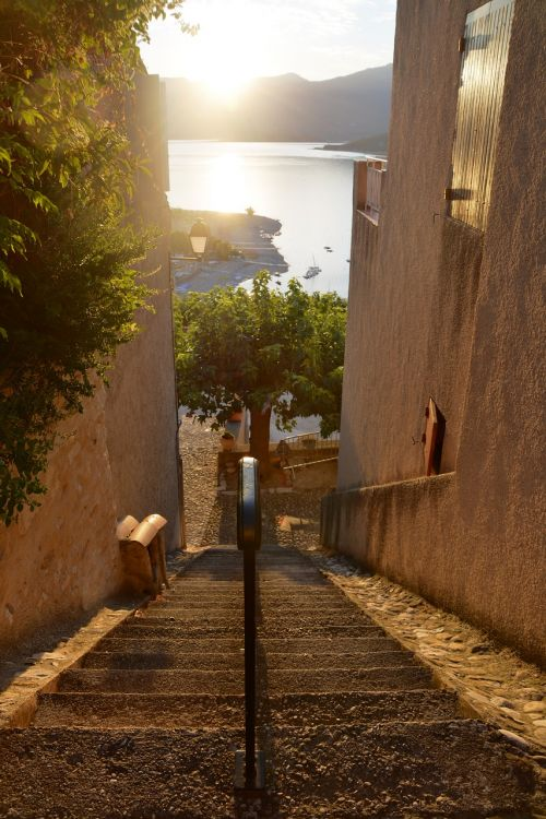 provence street staircase