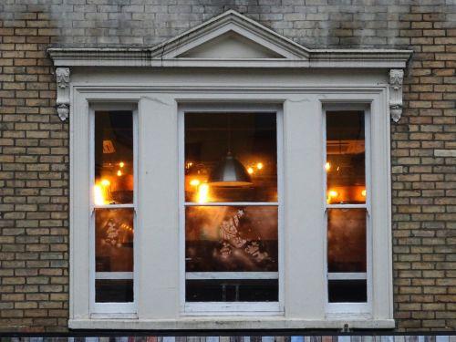 Pub Windows