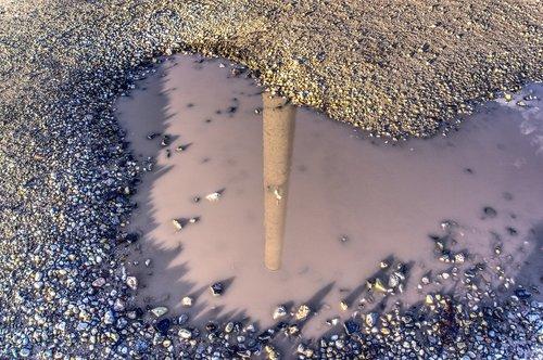 puddle  mirroring  water