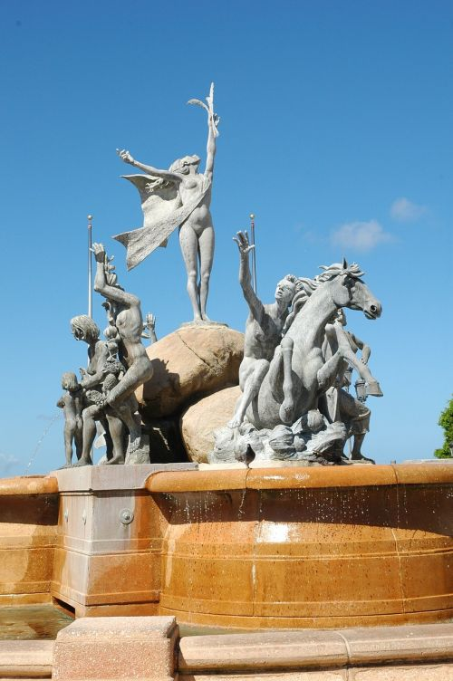 puerto rico statue
