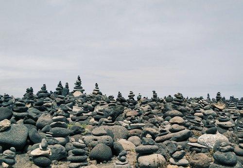 puerto de la cruz  stones  monument
