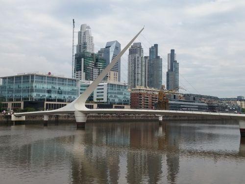 puerto madero,argentina,tiltas,moters tiltas,pastatai,miestas,Buenos Airesas argentina,Buenos Airės
