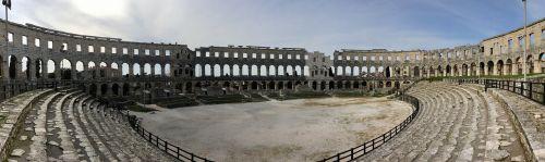pula amphitheater city