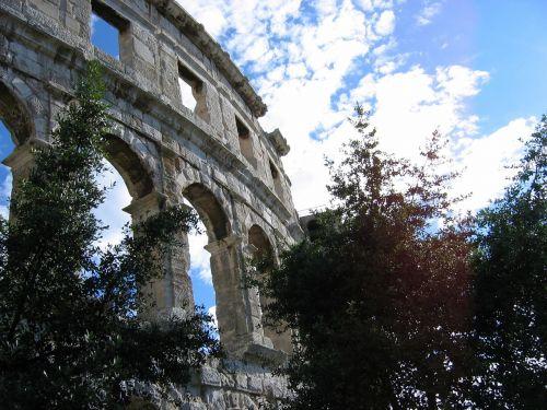 pula croatia amphitheater