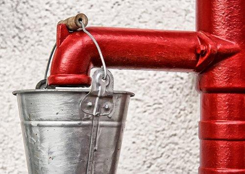 pump  water pump  hand pump