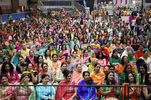 punjabis  crowd  indians