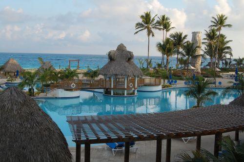 punta cana holiday swimming pool