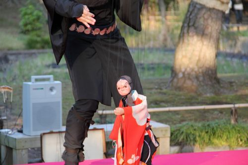 puppet street performance doll