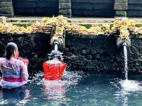 pura tirta empul temple hindu balinese