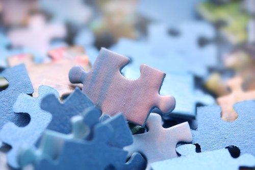 puzzle  pieces  folding