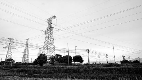 pylons black and white the scenery