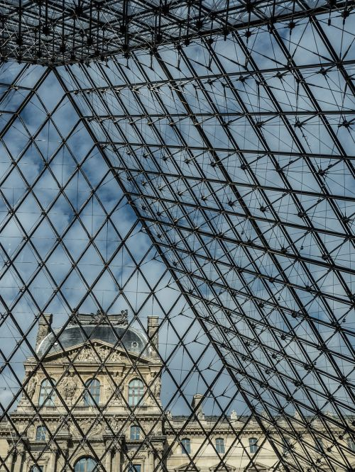 pyramid louvre glass