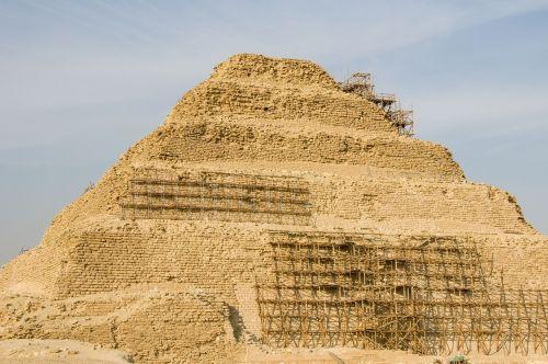 pyramid egypt desert