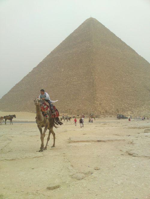 pyramid egypt pharaohs
