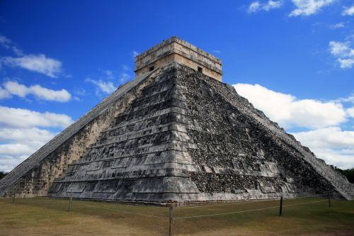 pyramid maya ancient