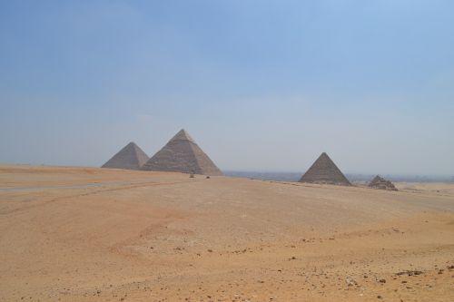 pyramids egypt pharaohs