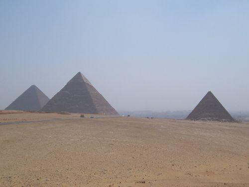 pyramids cairo egypt