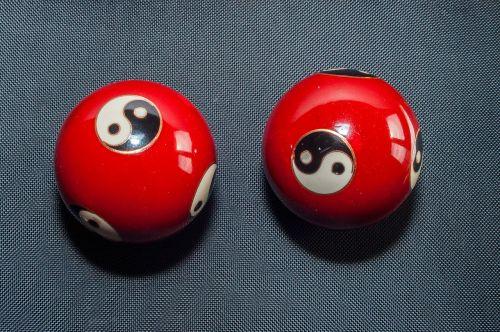 qi gong balls red