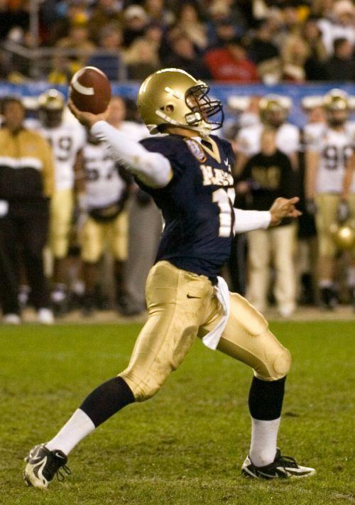 quarterback american football pass