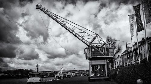 quay crane load