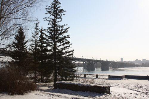quay river spring