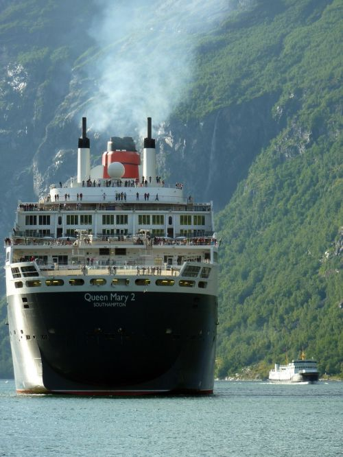 queen mary ii cruise ship ship