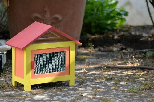 rabbit hutch home easter