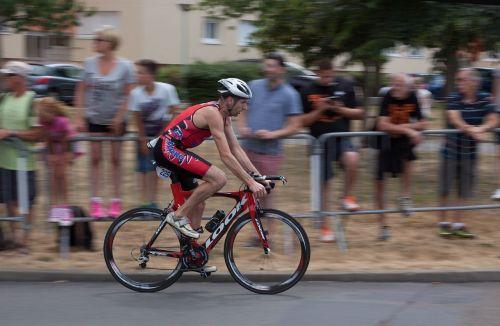 race cyclist le mans
