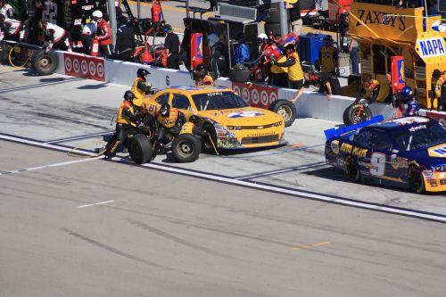 race pit racing