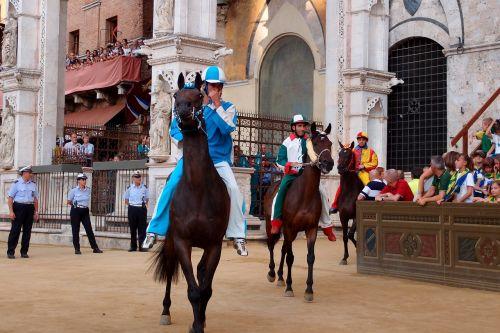 races horse palio