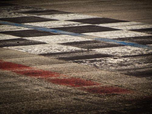 racetrack lane line arrival