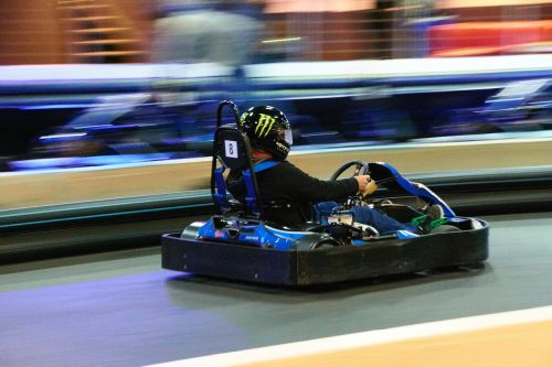 racing indoor go-kart