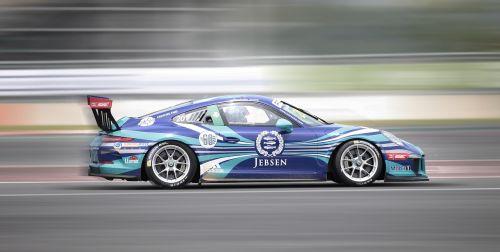 racing porsche 9 11