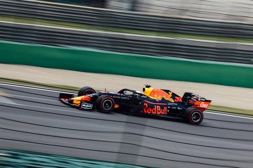 racing  f1  car