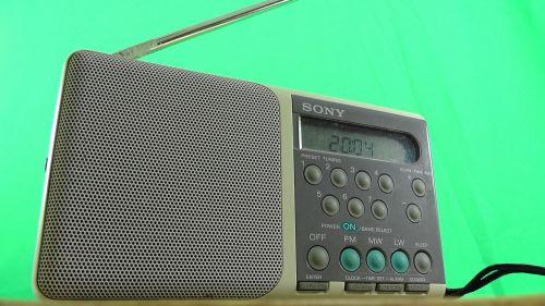 radio small green background