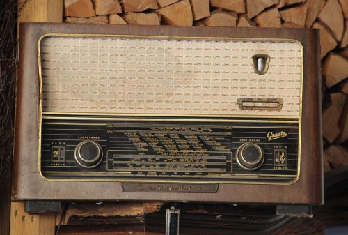 radio antique nostalgia