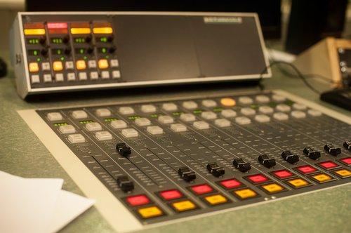 radio  console  studio