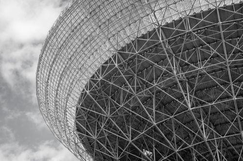 radio telescope effelsberg black and white