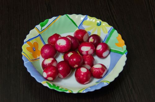 radishes root crop red