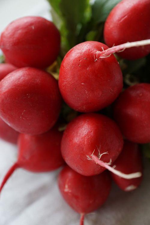 radishes vegetables red