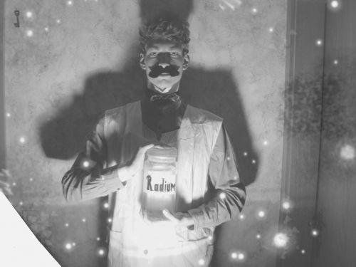 radium old fashioned under light
