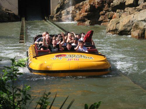 raft amusement park white water rafting