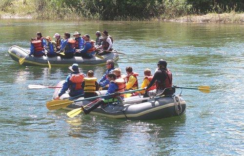 rafting  boating  paddle