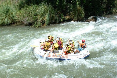 rafting boat danger