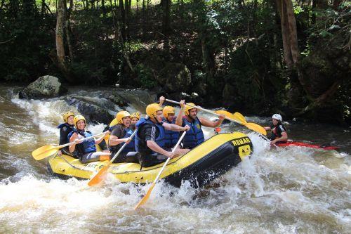 rafting wave rapids
