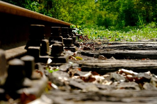 rail  railway  railway rails