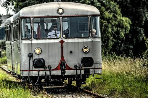railbus goes launceston